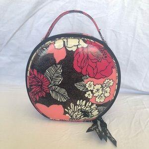 Vera Bradley Travel Toiletry Bag: RETIRED Pattern